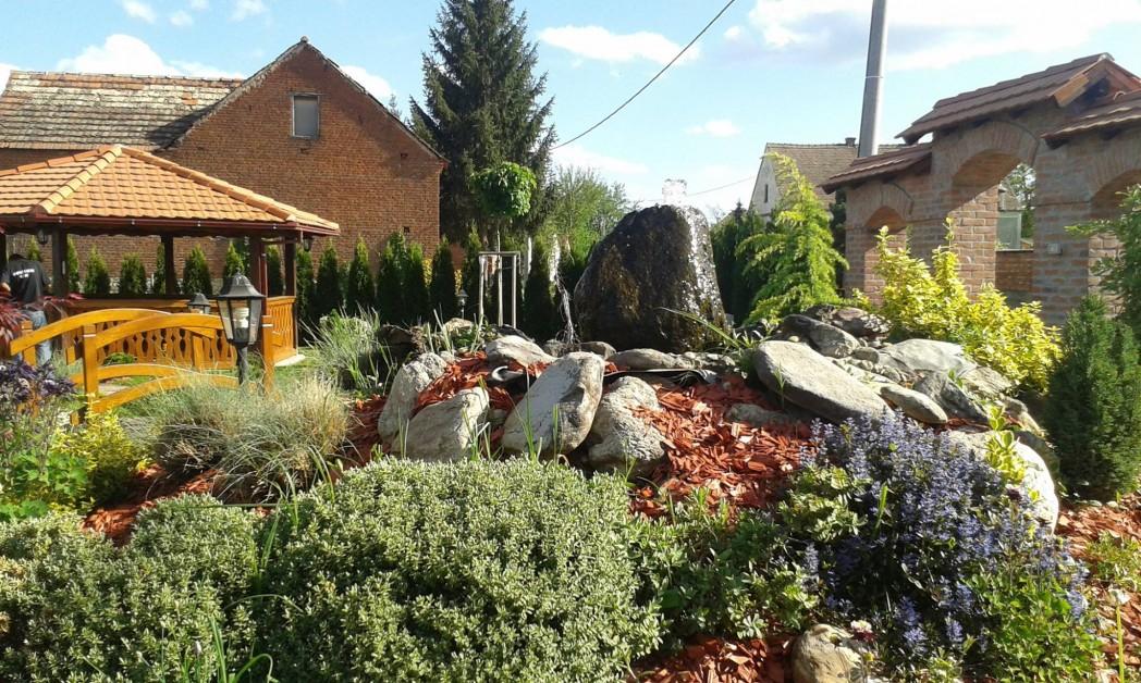 Vrtovi Eucaliptus  DOM I VRT-ČLANAK U SKLOPU VEČERNJEG LISTA Tekst iz novina